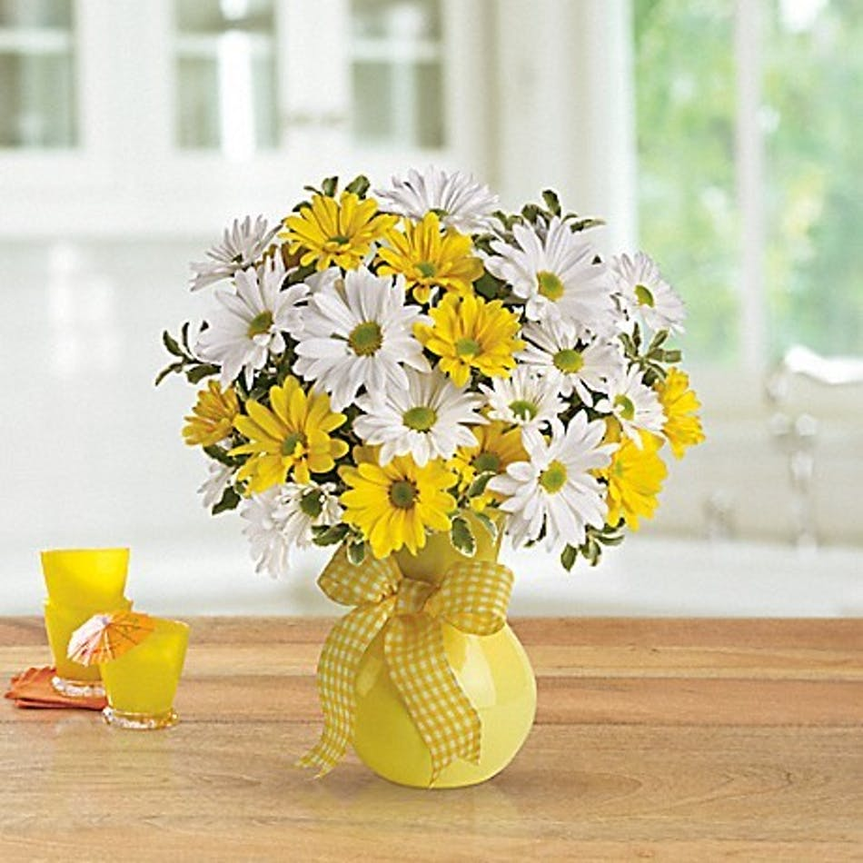 Upsy Daisy Bouquet It Will Brighten Their Day Mancusos Florist